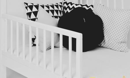 Łóżeczko Tapczanik Domek z szufladą 140 x 70 kolor biały